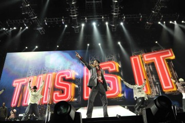 Michael Jackson's This Is It Review Featured